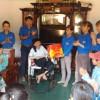Các Thầy, Cô giáo va học sinh trường TH Phan Chu Trinh đi thăm và tặng quà tết cho Mẹ Việt Nam anh hùng, tại địa phương!